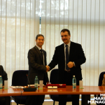 2 Professor Ovidiu Folcuț and Professor Levent Altinay shaking hands